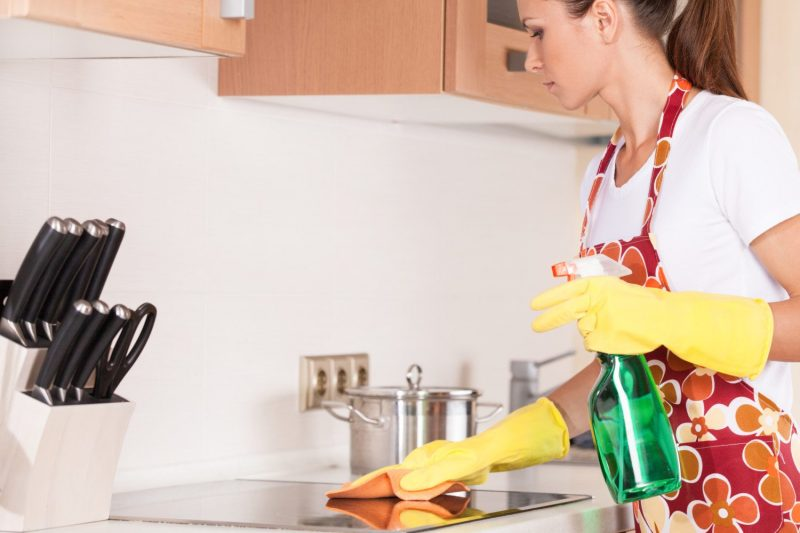 Как вывести тараканов из холодильника